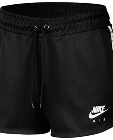 Kraťasy Nike